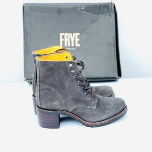 Frye Sabrina Grey Lace Up Combat Boots 10